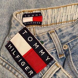 Tommy Hilfiger Vintage High Rise Mom Jeans 28
